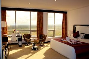 15.Honeymoon Suite